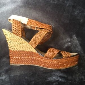 Gorgeous REPORT faux leather wedges!!